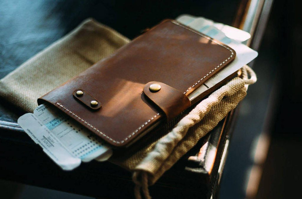 Top 10 Leather Wallet Brands For Men Who Value Style And Quality